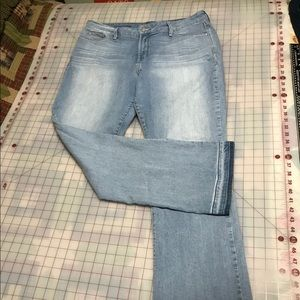 Lightly wore bootcut NYDJ size 16